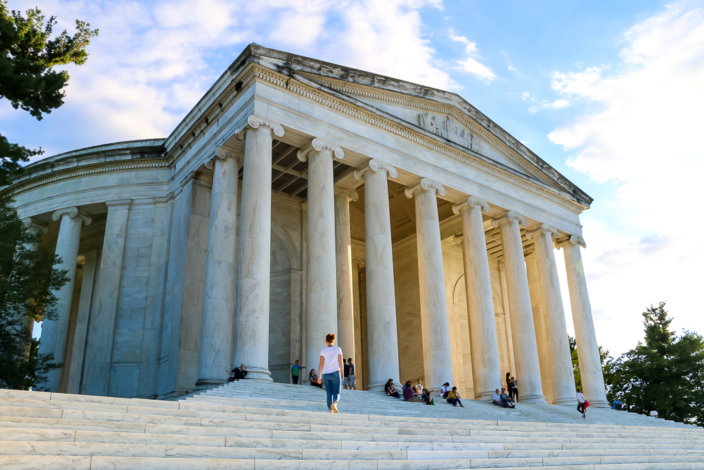 Thomas Jefferson Memorial - Roads and Destinations, roadsanddestinations.com