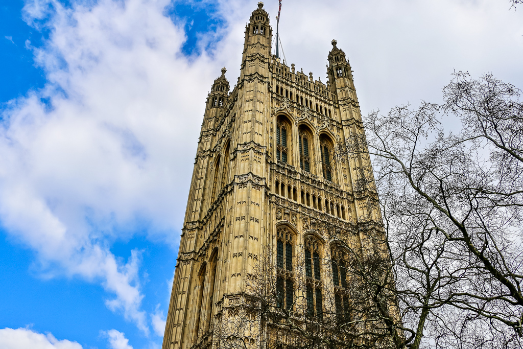 Palace of Westminster, Freezing London -Roads and Destinations, roadsanddestinations.com
