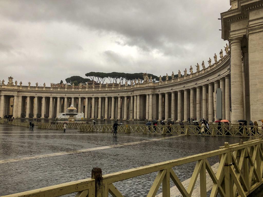 St. Peter's Square, roadsanddestinations.com