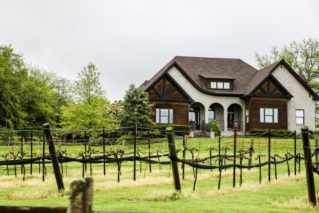 Visiting Arrington Vineyards in Tennessee, roadsanddestinations.com