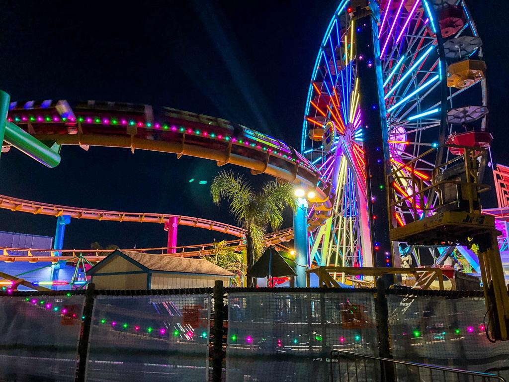 Santa Monica Pier, roadsanddestinations.com