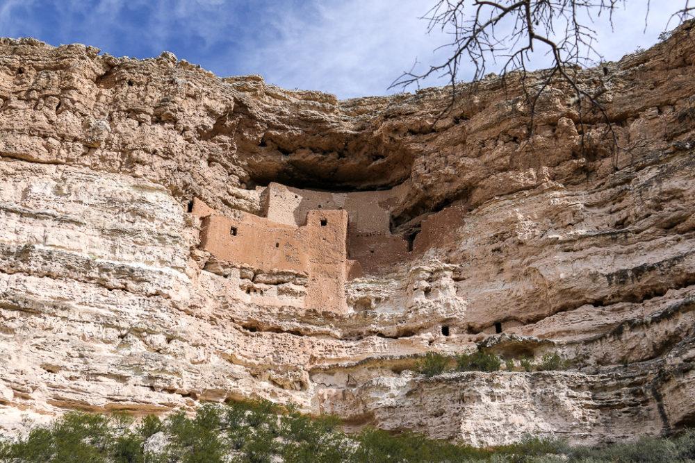 Montezuma Castle – an Unusual Castle in the Arizona, roadsanddestinations.com