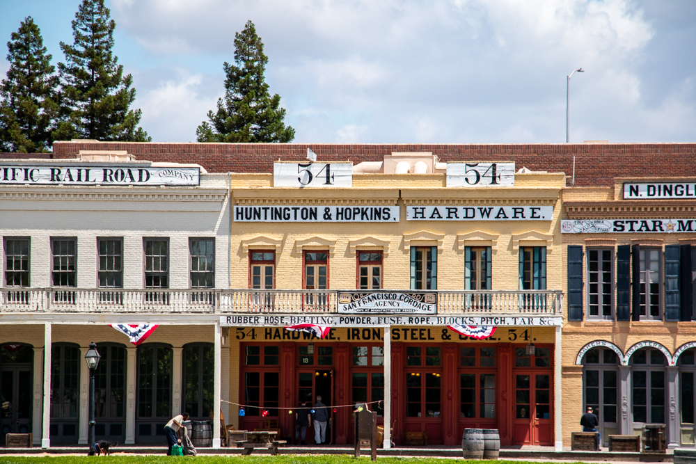 Old Sacramento. roadsanddestinations.com