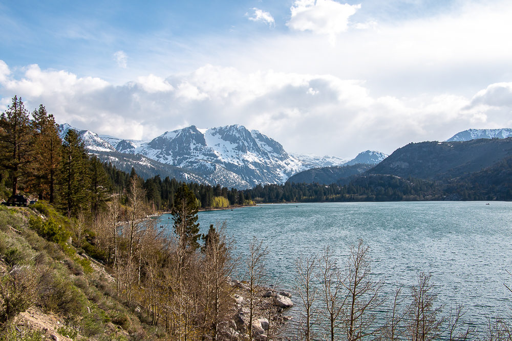 The Top 5 Lakes Near Mammoth Lakes - Roads and Destinations, roadsanddestinations.com