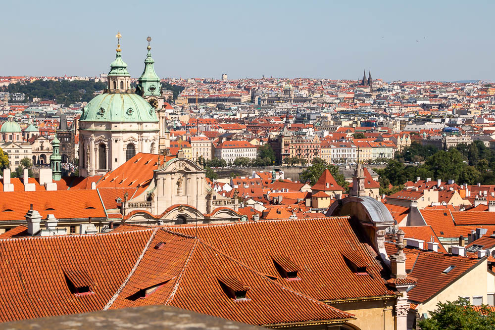 A Quick Guide to Visiting Prague on a Weekend - roadsanddestinations.com