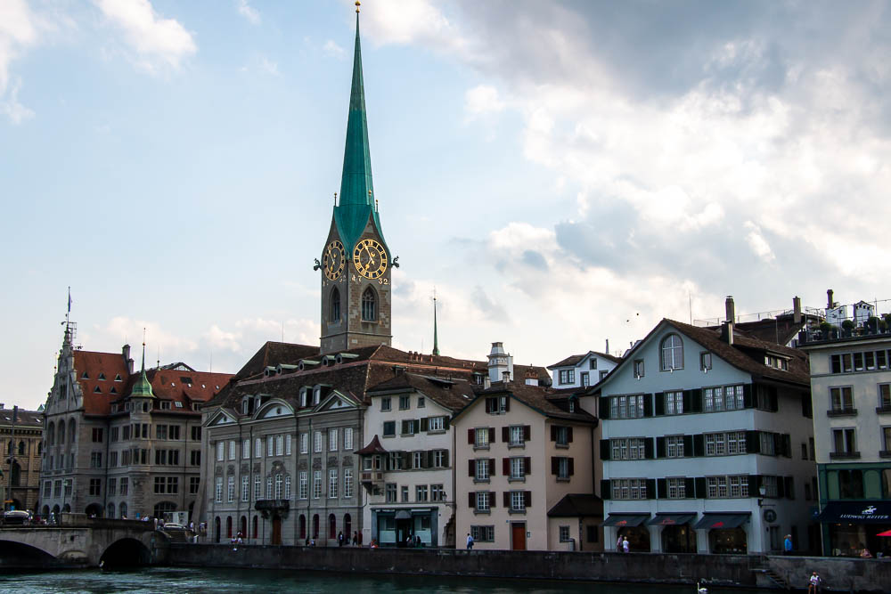 A Quick Guide to Zurich.roadsanddestinations.com