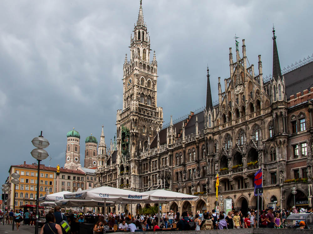 All you Need to Know to Backpack in Europe for Five Days. roadsanddestinations.com