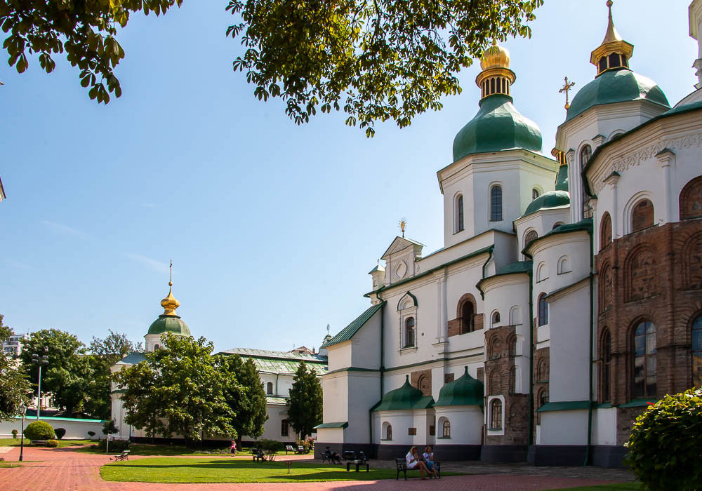 How to Visit St. Sophia's Cathedral.roadsanddestinations.com