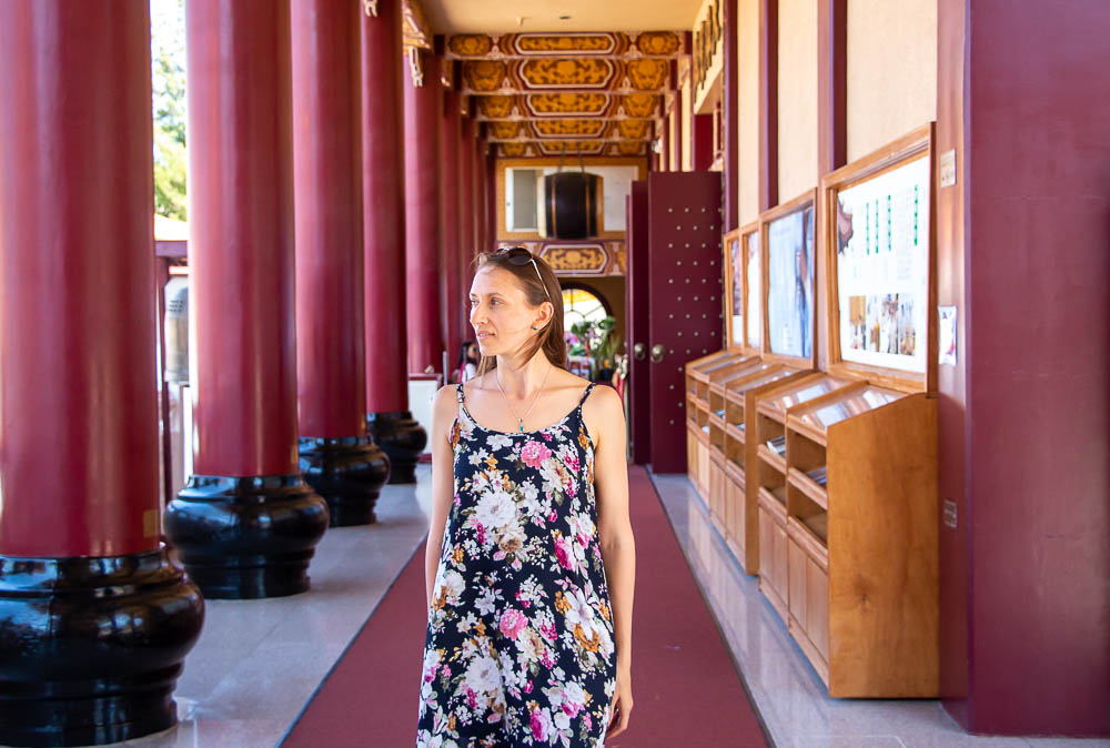 Finding Zen behind Tall Walls of Hsi Lai Temple, Los Angeles - roadsanddestinations.com