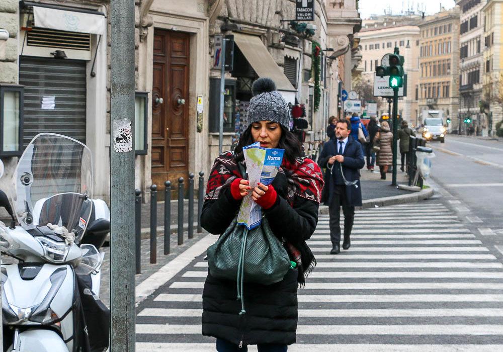 Tourists in Rome, Wanderlust during Coronavirus www.roadsanddestinations.com