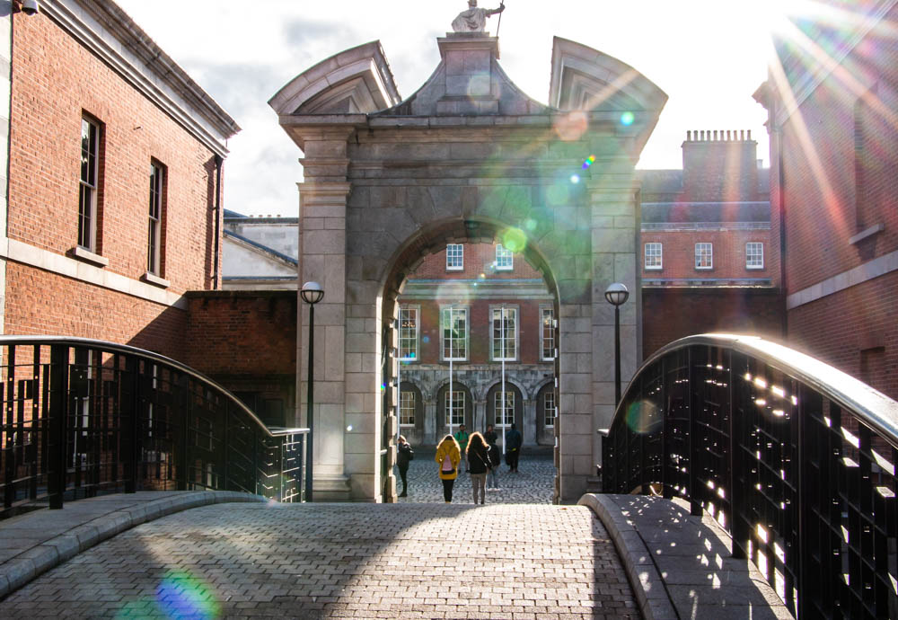 Dublin Travel Guide, From Top Attractions to Places to Eat and Stay, www.roadsanddestinations.com