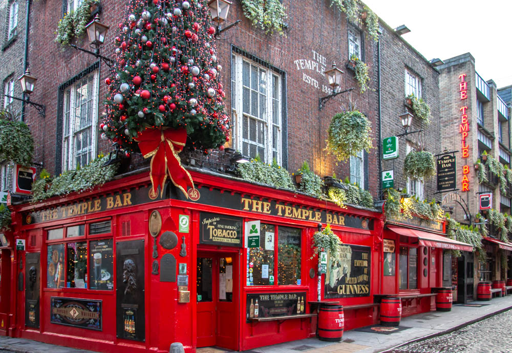 Dublin Travel Guide. From Top Attractions to Places to Eat and Stay, www.roadsanddestinations.com