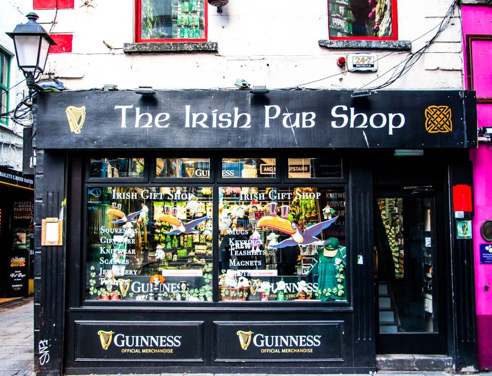 Dublin's pubs, www.roadsanddestinations.com