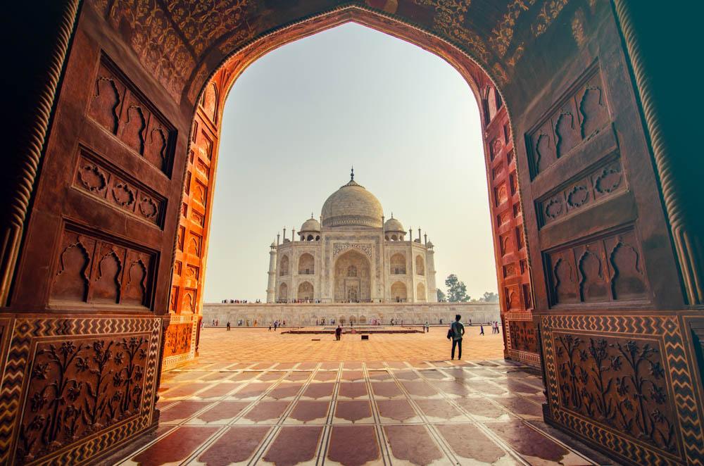 The Taj Mahal, www.roadsanddestinations.com
