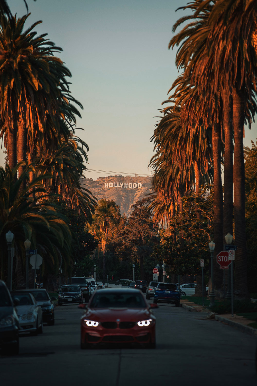 Hollywood Sign Photo Spots - Roads and Destinations -roadsanddestinations.com