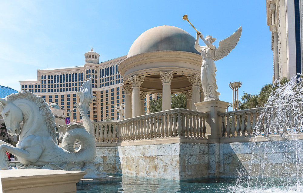 Las Vegas - Roads and Destinations, roadsanddestinations.com