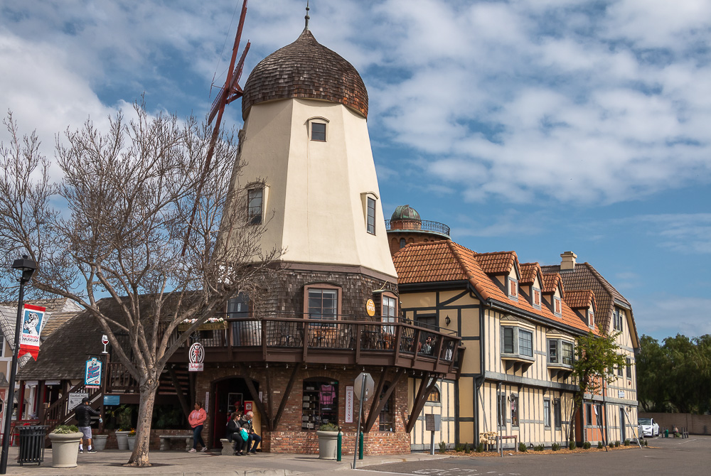 Solvang - Roads and Destinations, roadsanddestinations.com