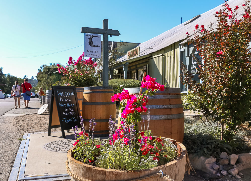 Visit Los Olivos - Roads and Destinations _ roadsanddestinations.com