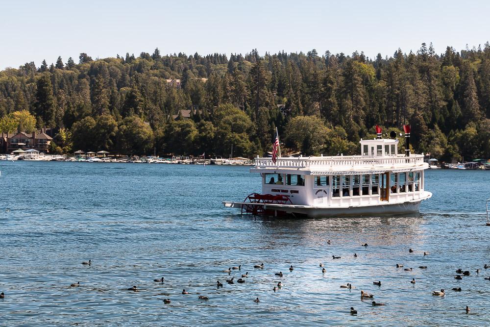Visiting Lake Arrowhead - Roads and Destinations _ roadsanddestinations.com