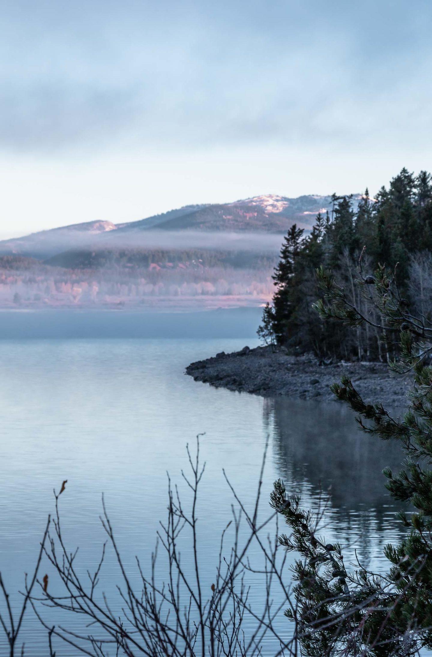 Jenny Lake - Roads and Destinations _ roadsanddestinations.com