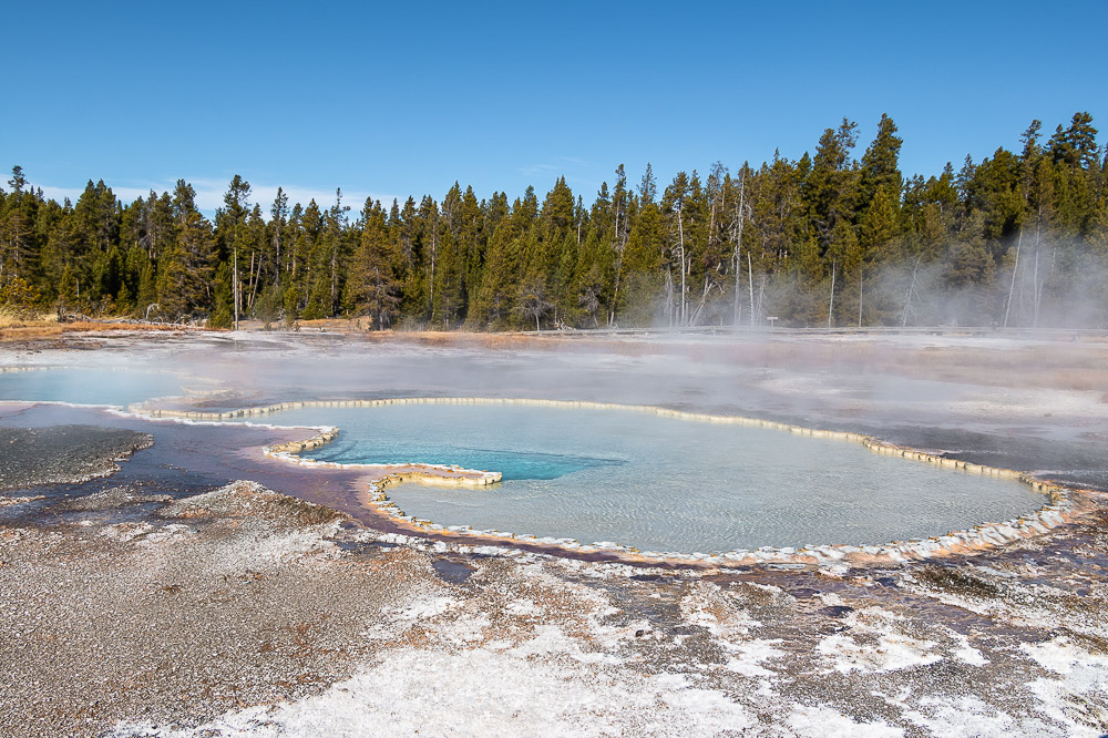 First visit to Yellowstone, Boise to Yellowstone Road Trip - Roads and Destinations. - roadsanddestinations.com