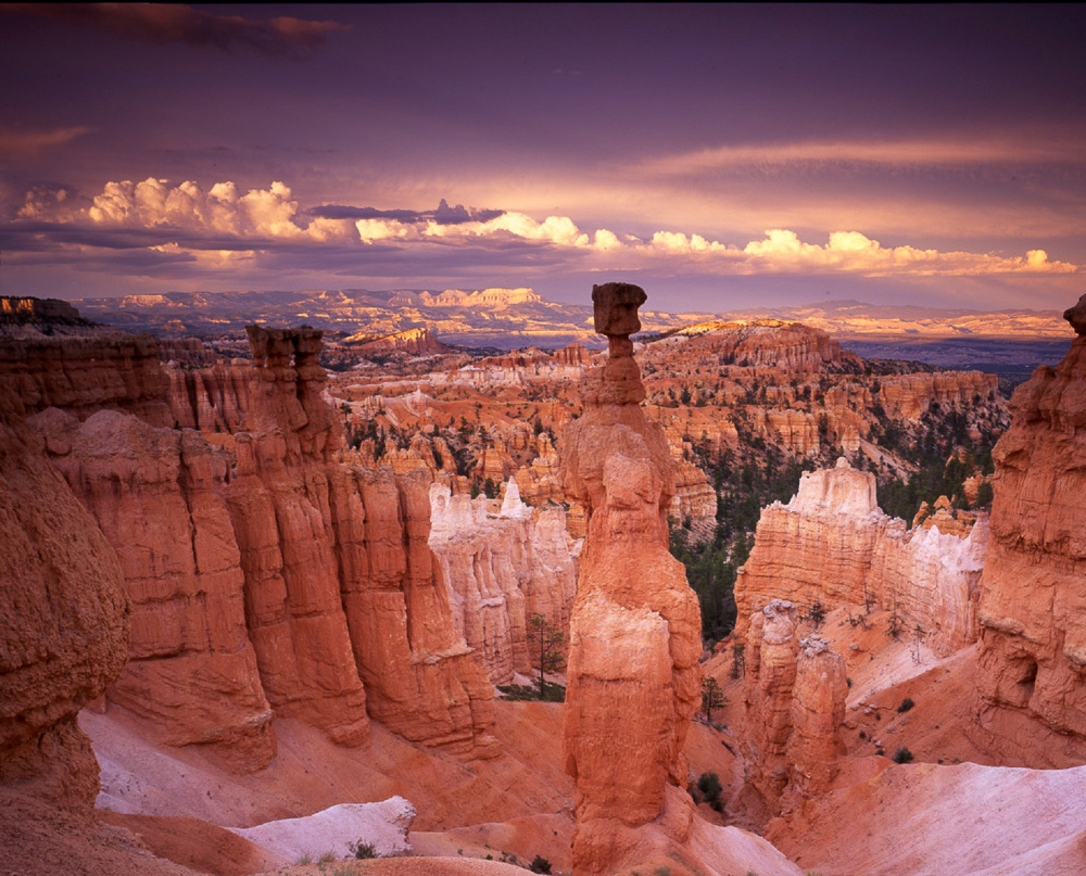Historic Buildings in the American West -- Roads and Destinations, roadsanddestinations.com.
