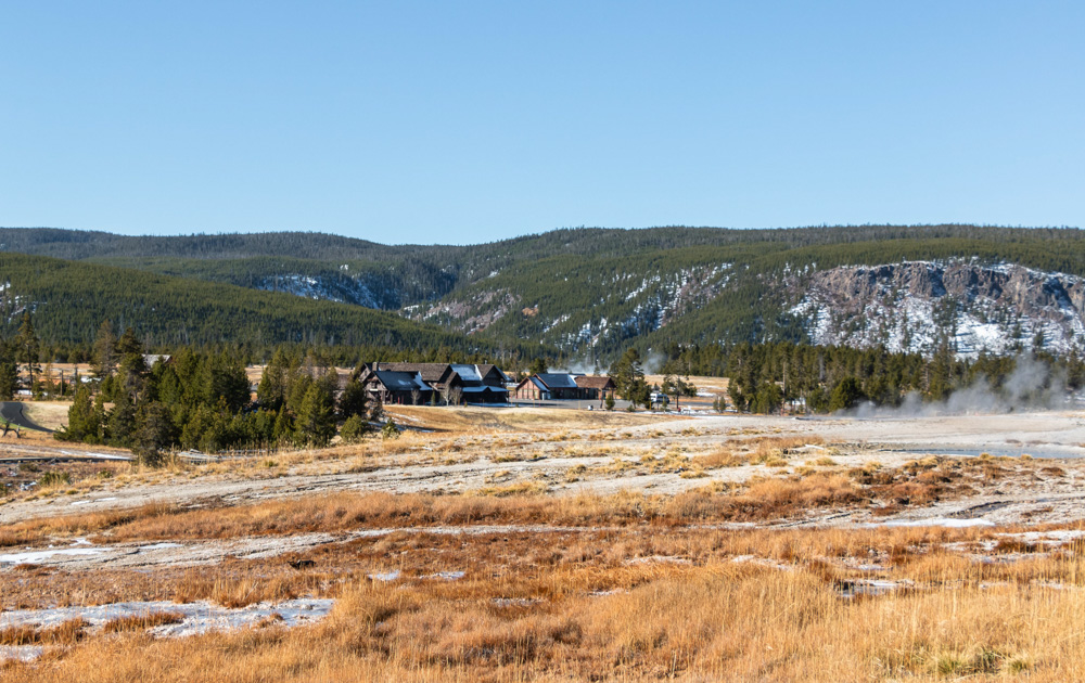 Yellowstone National Park - Roads and Destinations