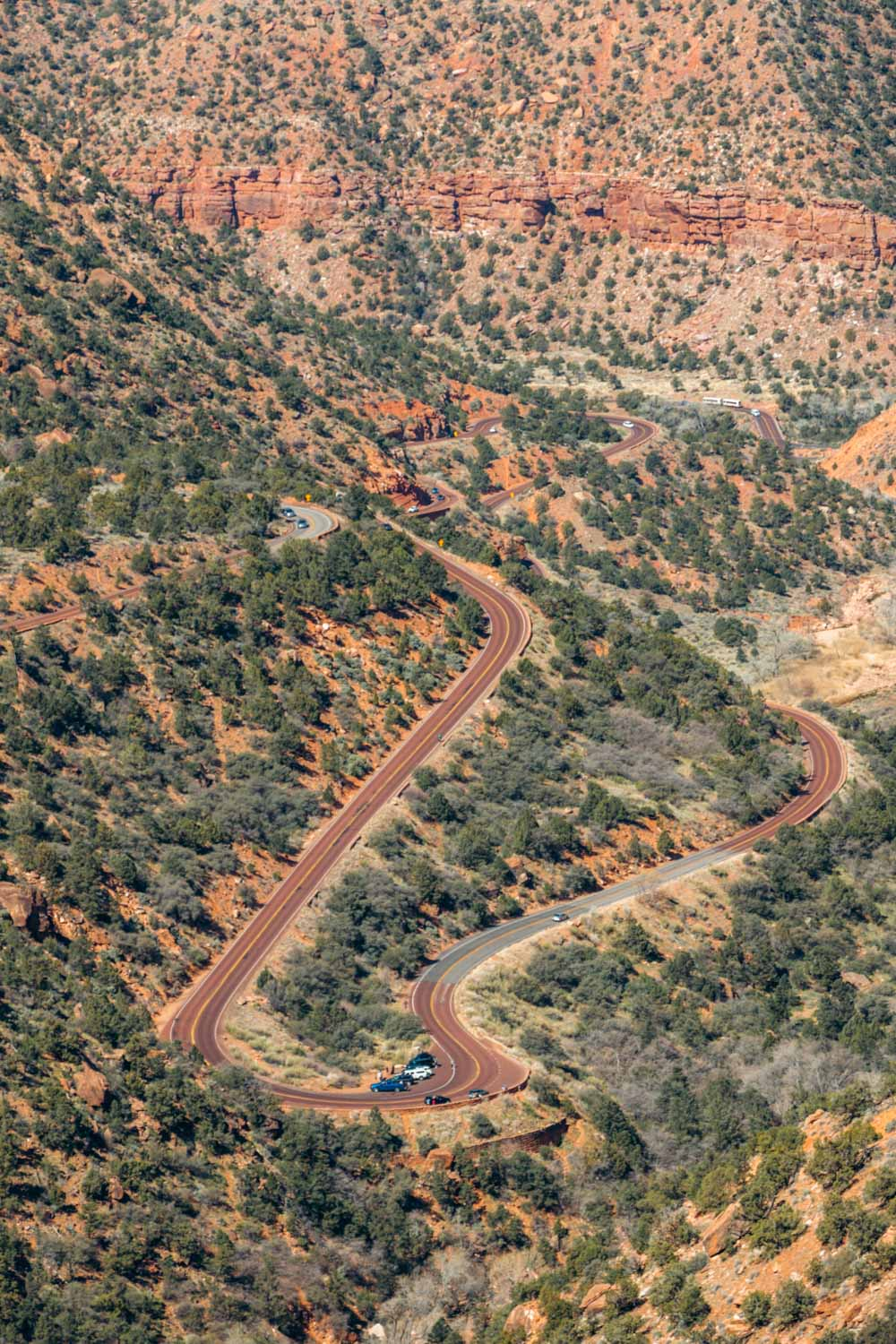 Hike Zion Canyon Overlook Trail - Roads and Destinations