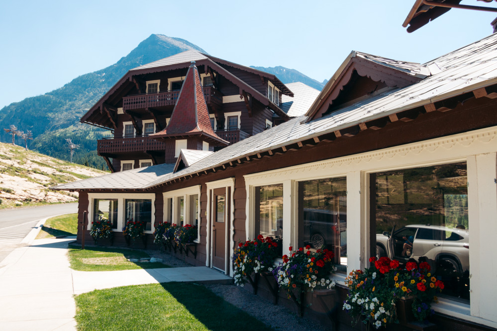 Many Glacier Hotel - Roads and Destinations