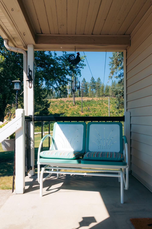Grandma's Cozy Farmhouse - Roads and Destinations